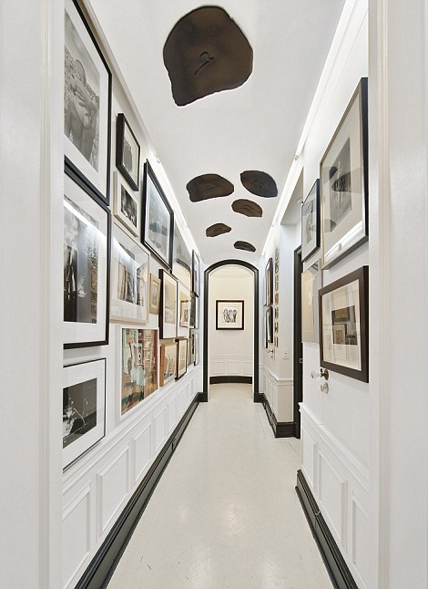 Home is where the art is: Photographs line
