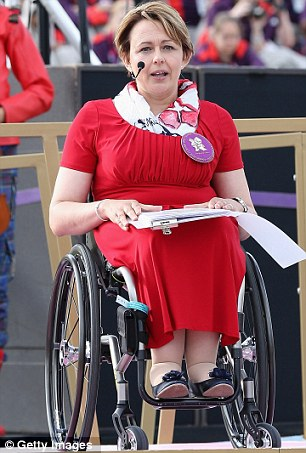 Paralympics 2012 opening ceremony: Athletes in gold ...