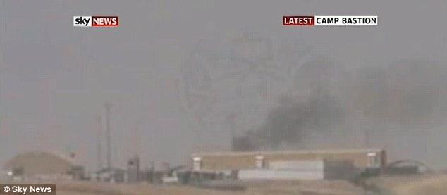 Επίθεση: καπνός που βγαίνει από τα κτίρια στρατόπεδο Bastion