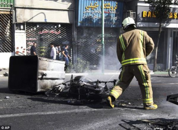 Iran economy: 'Death to the dictator!' What protesters in ...