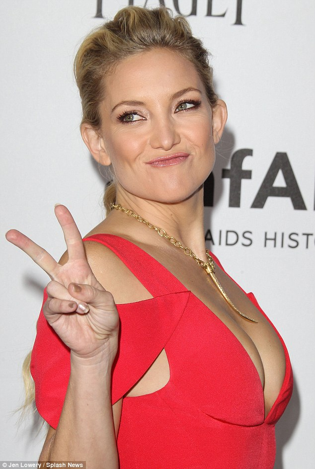 Kate Hudson Takes The Plunge And Shows Off Plenty Of