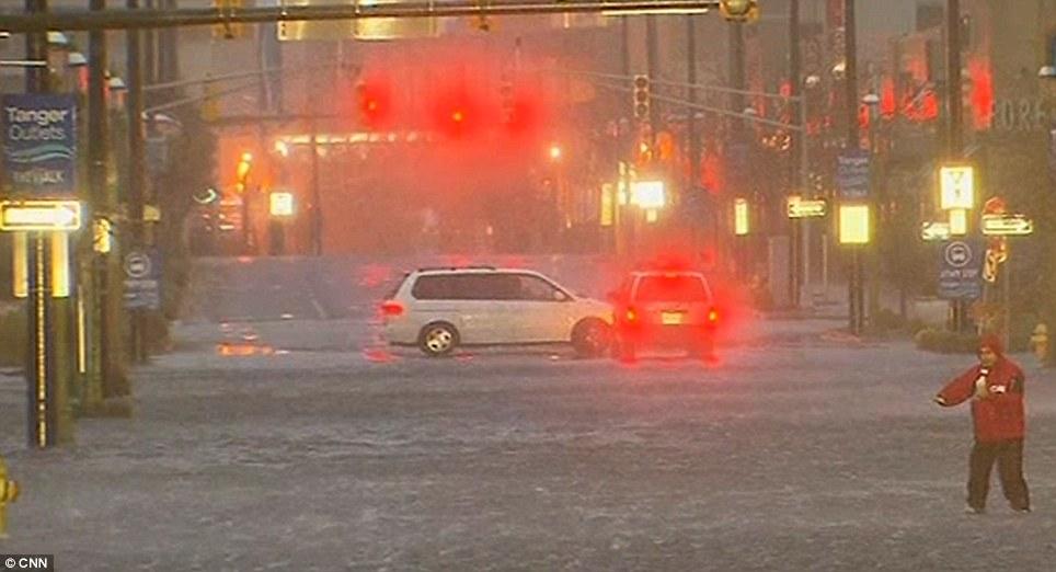 Howling: Condiciones en Nueva Jersey deteriorar esta tarde a las 18:00 como la supertormenta está a punto de tocar tierra