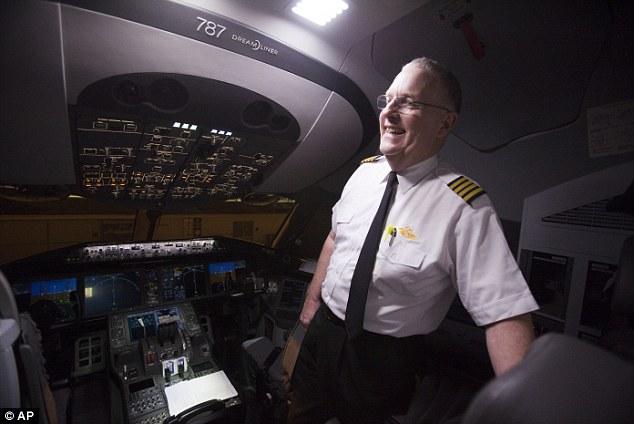 787 Diverted Mid Flight United Dreamliner Makes Emergency