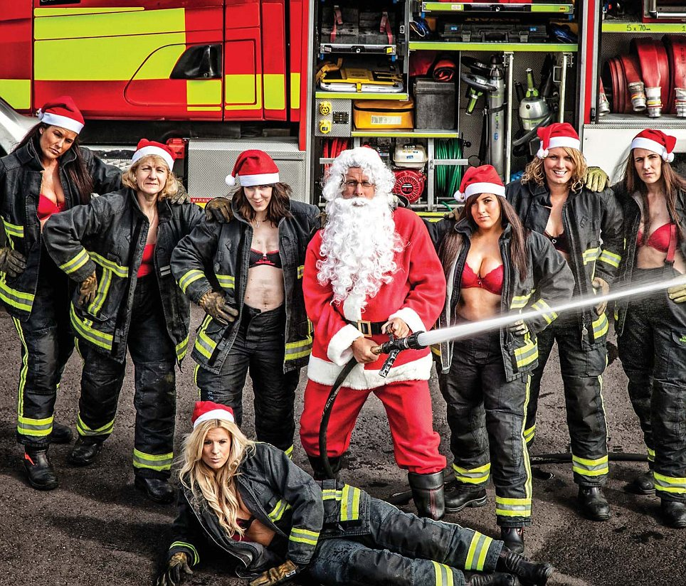 Female Fire Fighters From South Yorkshire Do Britains