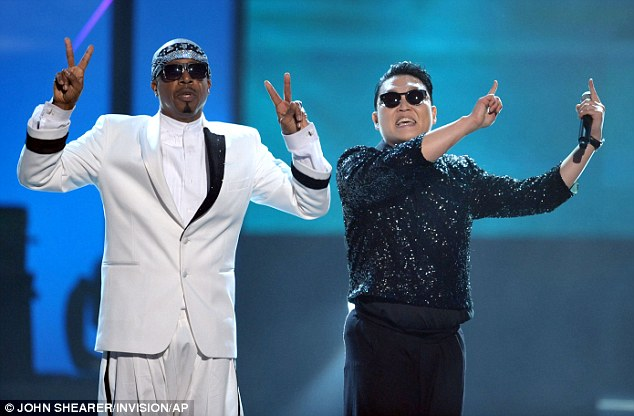 Hey sexy ladies! MC Hammer and Psy team up for an energetic performance at the American Music Awards