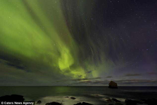 Snapped: Paisaje fotógrafo Iurie Belegurschi capturó el avistamiento por casualidad en la bella localidad de Islandia Reykjanes