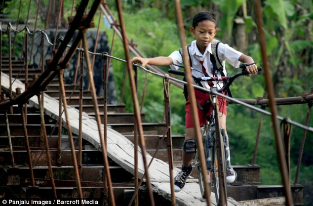 Shortcut: Even though it is dangerous, they would rather use it than walk a distance over six kilometers