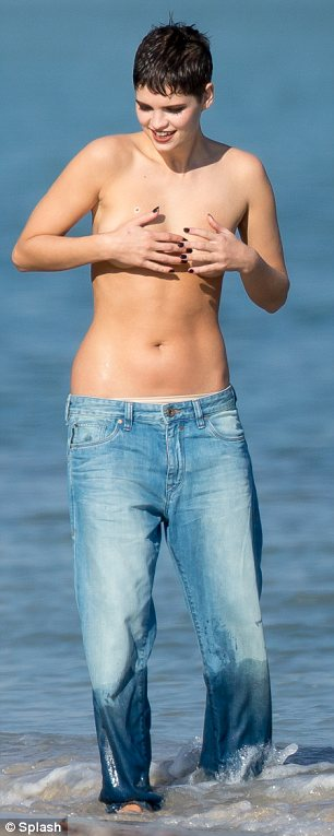 Pixie Geldof Poses Topless In The Sea In Miami For Saucy