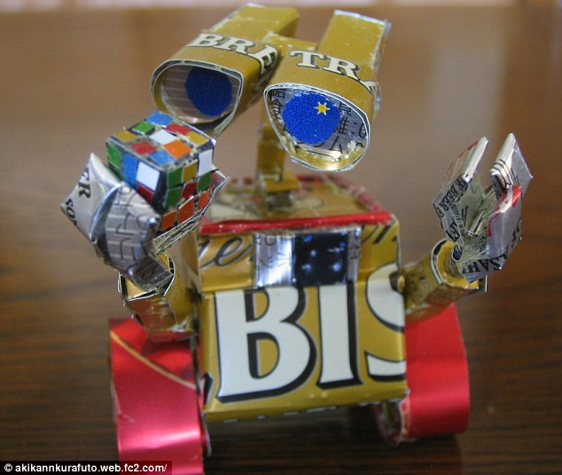 Movie icon: Wall-E as created by the artist Macaon with the help of beer cans