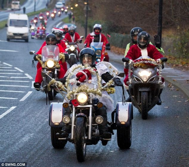 Christmas 2012 Hundreds Of Santas Take Part In Charity