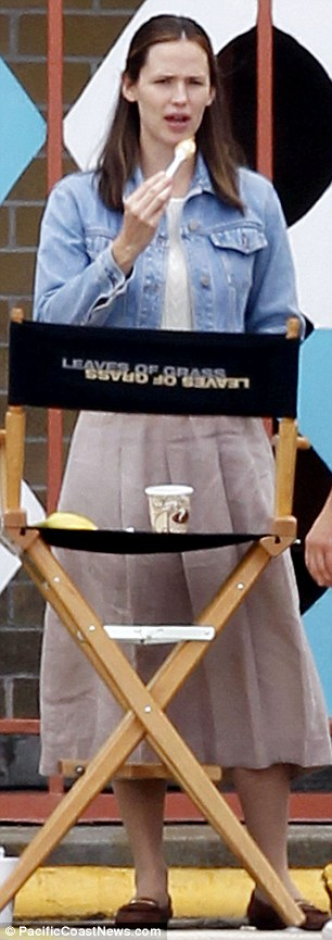 What a contrast: Jared Leto looks even more dangerously thin on set of Dallas Buyers Club while co-star Jennifer Garner chomps on a banana in New Orleans on Thursday