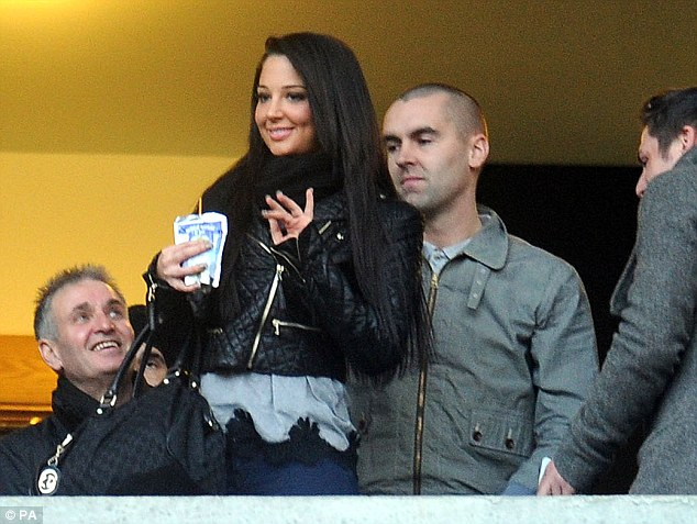 Hey boo! Tulisa Contostavlos was seen waving at the pitch on Saturday as she watched her boyfriend Danny Simpson's team Newcastle United take on Manchester City at St. James' Park