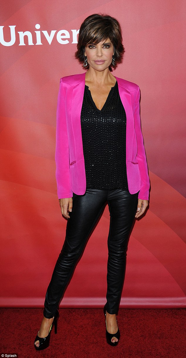 Lisa Rinna Gets Up Early For Yoga 911entertainment