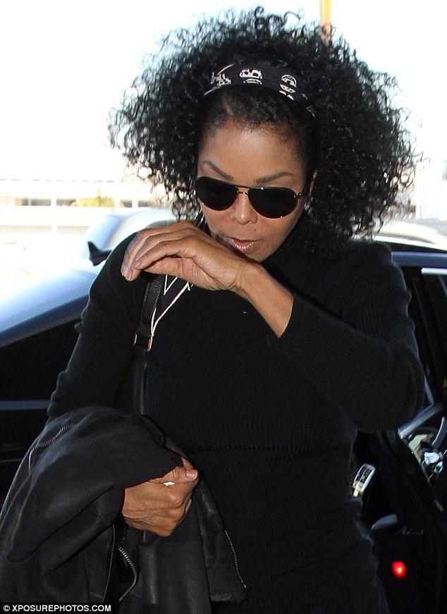 Janet Jackson Dons Unsightly MC Hammer Style Baggy