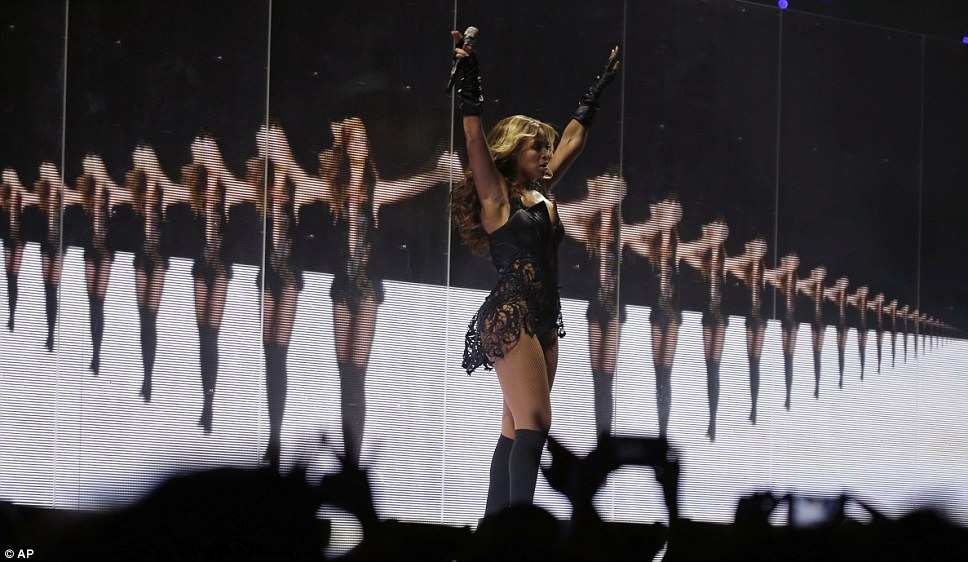 Multi-Beyonce: The singer sung in front of a screen of the star mirroring her moves