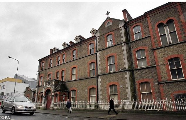 Una investigación encontró 2.124 de las personas detenidas en instituciones como las hermanas ahora abandonado de Nuestra Señora de la Caridad Magdalena lavandería en Dublín (en la foto) fueron enviados por las autoridades