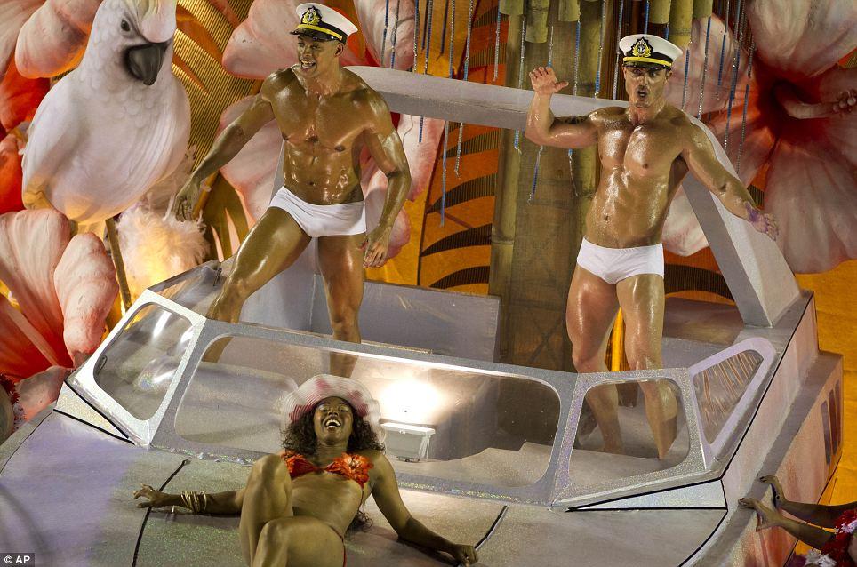 Здравствуйте моряка: Это был не просто девушки, которые попали в духе праздника