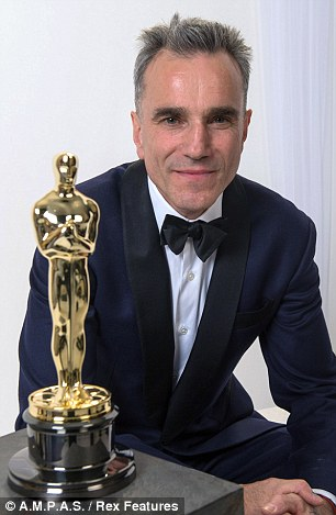 Daniel Day Lewis Oscar Winners Brother Says I Wish Daniel Would End Our 19 Year Feud Daily