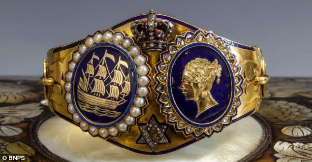 Queen Victoria Rare Gold Bracelet Given To Princess