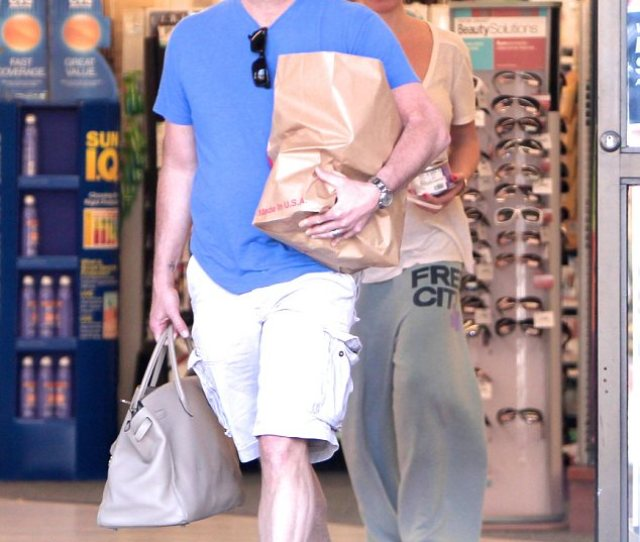 Doting Nikki Was Picking Up Groceries With Husband Jay Mohr Who Carried Her Handbag