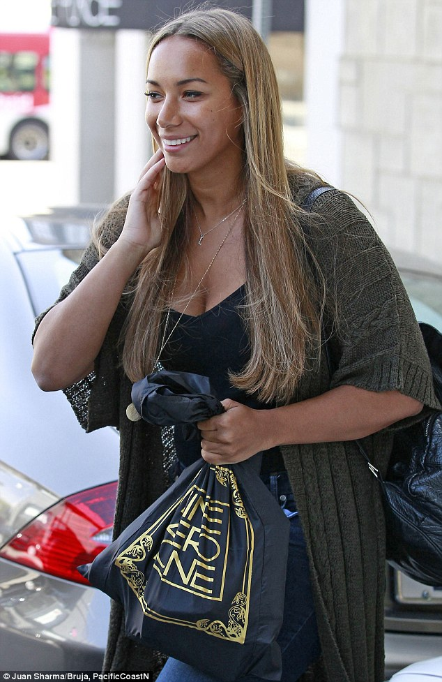 Even Pop Stars Need A Day Off Leona Lewis Goes Make Up