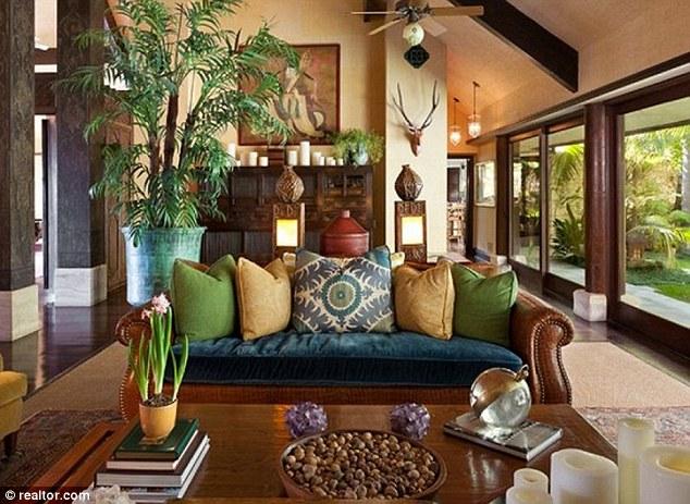 Exotic Living Room Decorating Ideas