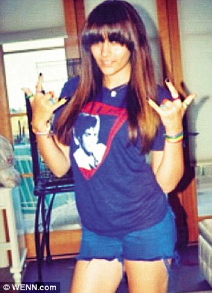 A picture Paris tweeted of herself wearing a Michael Jackson T-shirt