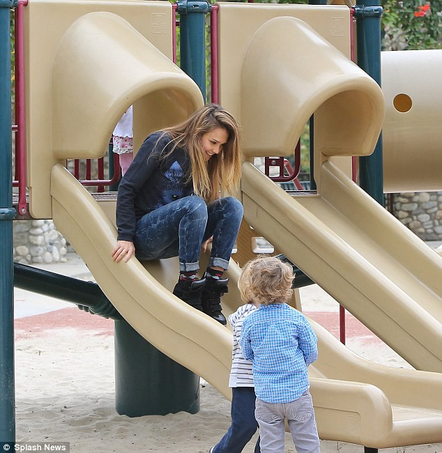 One size fits all! Jessica Alba was seen with her family at a birthday party at the park in Beverly Hills, California on Saturday