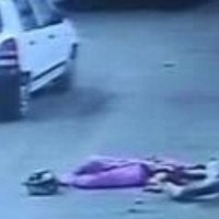 #India - People leave mother and daughter to' bleed  to death' on Jaipur road for 40 minutes #Vaw  #WTFnews