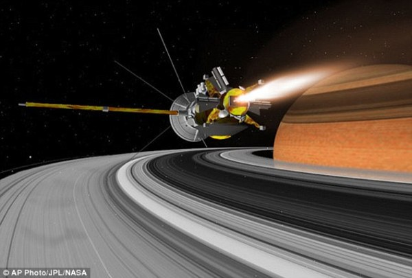 Nasas Cassini probe reveals clouds created by impact of