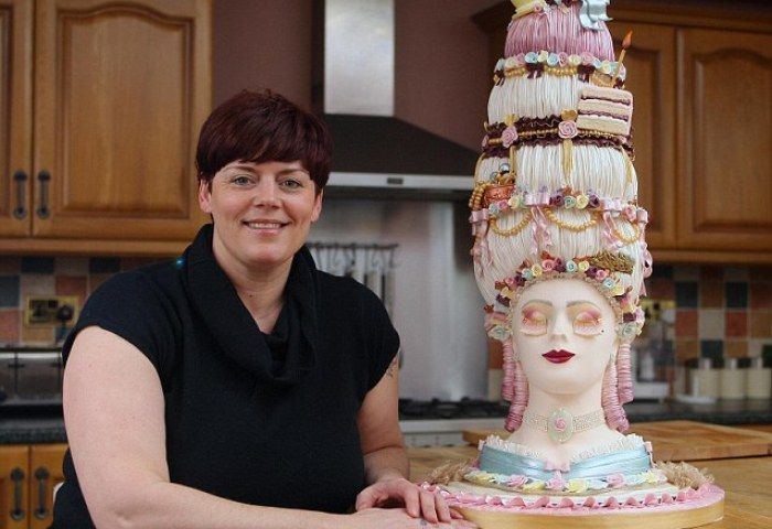 Let Them Eat Cake Incredible Cake Depicting French Queen Marie