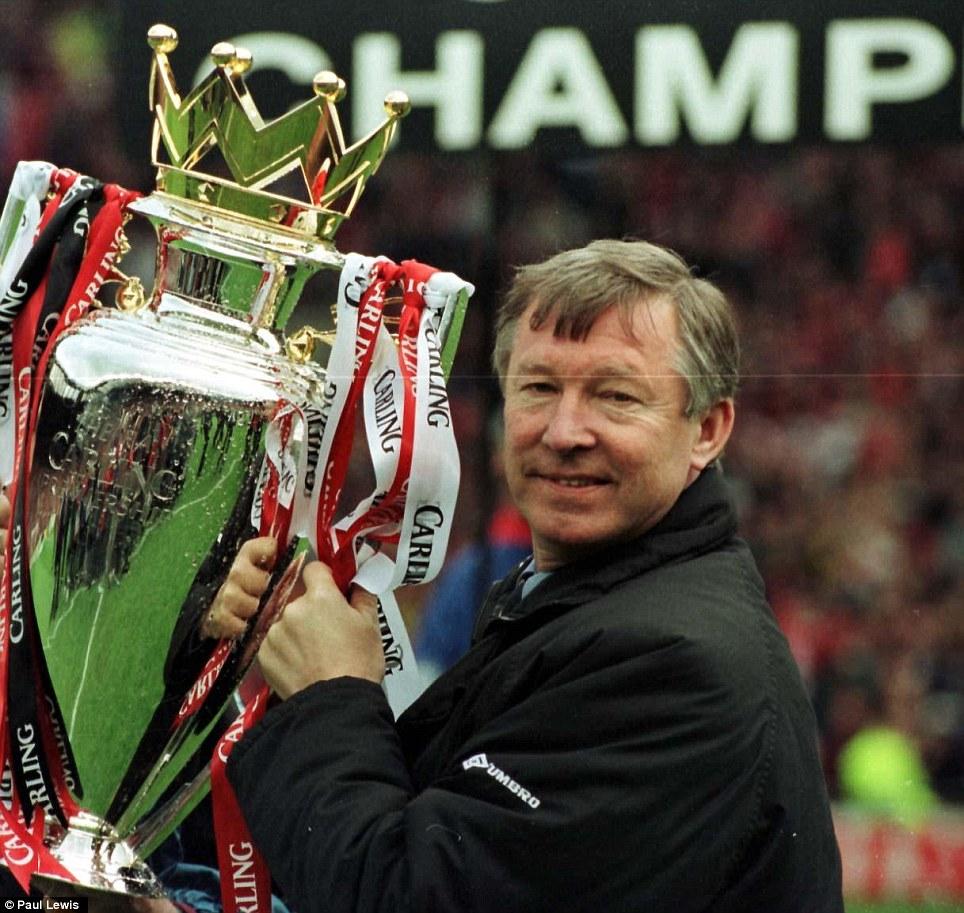 Golden Years Koleksi Trofi Sir Alex Ferguson Selama 27