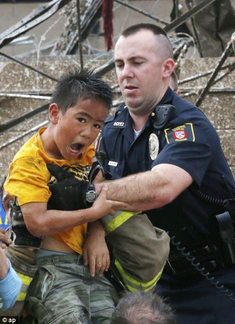Oklahoma tornado 2013: Heartbreak as girl, 9, is the first ...