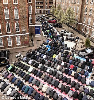 HUNDREDS OF WORSHIPPERS GATHER FOR FRIDAY PRAYERS AT THE BRUNE STREET MOSQUE