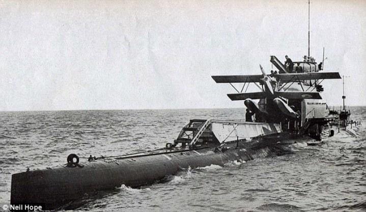 Previsto para el reconocimiento aéreo en misiones de exploración por adelantado, el avión había articulado alas para permitir que quepa dentro de un hangar hermético especialmente diseñado