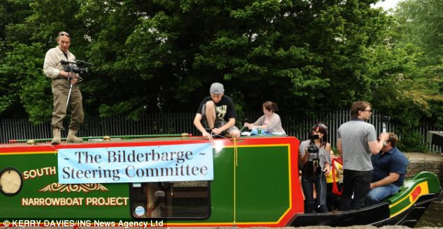 American protestor and Radio DJ Alex Jones sailed a protest barge right through the security zone at the Bilderberg group meeting