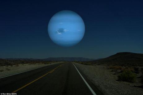Perspectiva: El ex director de arte NASA imaginó cómo Neptuno se vería desde la Tierra si era la misma distancia que la Luna