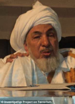 Abdullah bin Bayyah met with members of the Obama administration's national security team on June 13, despite his close ties with a Muslim Brotherhood leader who advocates for the destruction of Israel