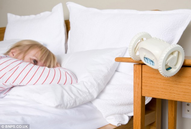 Must see Alarm Bedside - article-2351031-1A8E73D8000005DC-182_634x430  Picture_582810.jpg