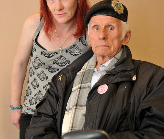 Asbo Terri Lee Pearce Was Banned From Entering The Sheltered Accommodation In Swindon Where