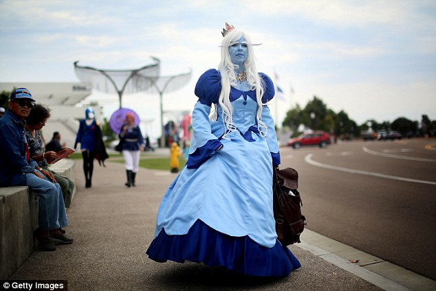 Cool as ice: Amanda King wears an Ice Queen costume during Comic Con 2013
