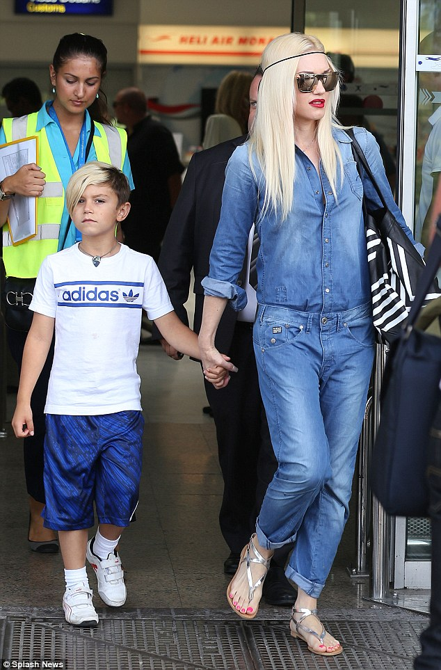 Gwen Stefani Arrives For A Sun Soaked Holiday In The