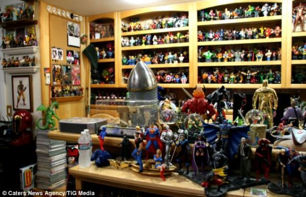 World's largest comic book collection owned by superfan ...