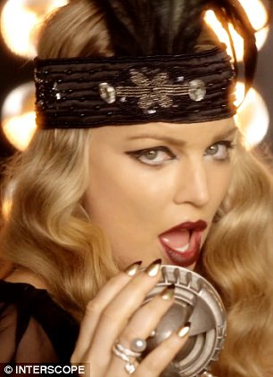 Fergie Turns Flapper In Glamorous 1920s Outfits In New
