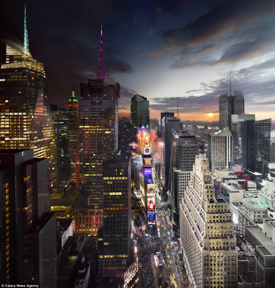 Time Square in New York is given a fresh new look in just one picture. The mesmerising image show the beautiful transition from day to night