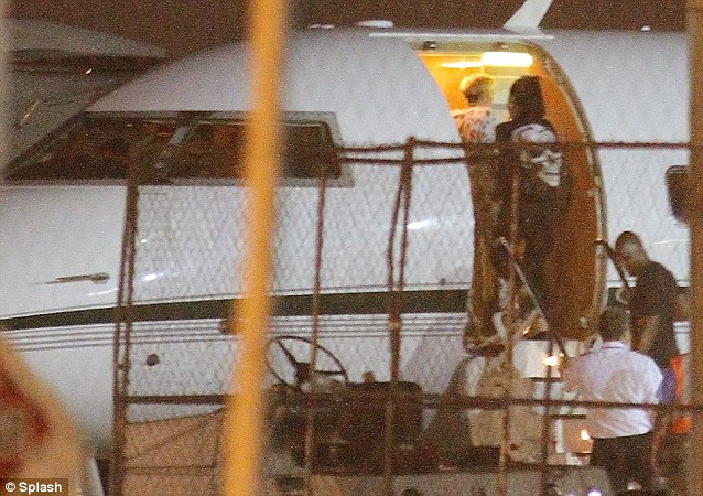 That's how she rolls: The singer jumped on a private jet with her friends and crew at a New Jersey airport