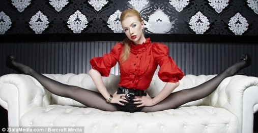 Easy: Doing the splits is no problem for Zlata