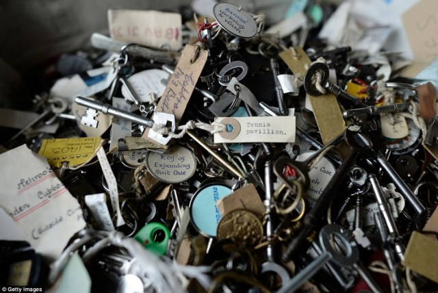 Keys for the house: These included one for the tennis pavilion, another for one of the suitcases. The mansion had 12 bathrooms