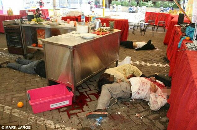 Les soldats ont dit des horribles tortures infligées par des terroristes dans le massacre de centre Nairobi hier avec les revendications otages ont été démembrés, avaient les yeux crevés et ont été laissés pendus à des crochets dans le plafond