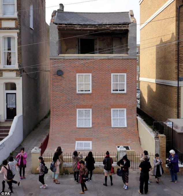 The sliding house at Margate